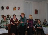 Elenai Stankevičienei (iš kairės) piniginę premiją įteikė Jūratės Jablonskytės-Caspersen fondo įgaliota atstovė Jovita Kubilinskienė (viduryje).