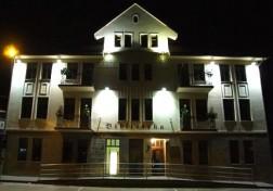 F. Bajoraičio viešoji biblioteka naktį