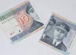 Pinigai: 10 litų