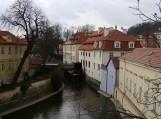 Prahos Rotušės aikštė su miesto įsikūrimo pradžią menančiais pastatais.