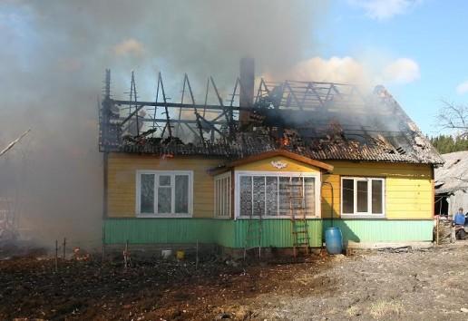 Vilkėno kaime sudegė gyvenamas namas