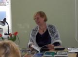 Meno ir poezijos valandėlė Katyčiuose tautodailininke karpytoja, eiliuotoja Terese Lorenčiene.