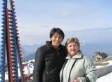 (Iš kairės) Šveicarijos lietuvių bendruomenės pirmininkė Jūratė Caspersen ir Elena Stankevičienė ant Maironio apdainuoto Rigi Kulm kalno