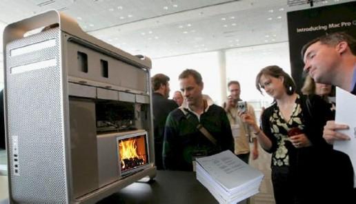 Savivaldybės darbuotojai supažindinami su kompiuteriais, naudojančiais įstaigos atsinaujinančią energiją – popierius.
