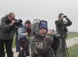 Baltijos aplinkos forumas (BEF) komanda pakvietė visus, didelius ir mažus patirti jaudinantį nuotykį – susitikti su paslaptingąja Nemuno deltos gyventoja – meldine nendrinuke. Nuotrauka Edvardo Lukošiaus