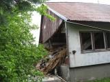Sprogus dujoms nepataisomai sugadintas namas