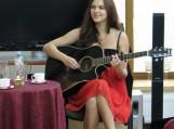 Kraštietė aktorė, lėlininkė ir dainuojamosios poezijos atlikėja Edita Zėčiūtė. Nuotraukos Loretos Liutkutės