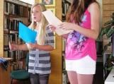 Renginį pradėjo jaunieji skaitytojai eilėmis apie mišką ir medžius