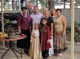 Nuotraukoje Khashuri bibliotekoje šilutiškiai kartu su municipaliteto meru (centre) ir mažaisiais Khashuri meno mokyklos šokėjais – šilutiškių sutiktuvių dalyviais