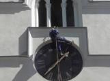 A.Sirvydis atliko Šilutės evangelikų liuteronų senojo laikrodžio būsimų restauravimo darbų žvalgybą. Nuotraukos Edvardo Lukošiaus