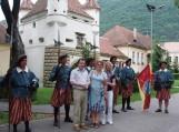 Brašovo miesto garbės sargyba. Georgo Baritiu bibliotekos direktorius Daniel Nazari (kairėje). Nuotraukos Bajoraičio viešosios bibliotekos