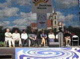 """Šilutės knygų autoriai Vilniaus miesto šventėje """"Sostinės dienos"""" (2011). Nuotraukos iš F. Bajoraičio viešosios bibliotekos foto archyvo"""