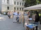 """Keliaujantis knygynėlis – paroda """"Šilutė. Dvidešimtmečio knyga ir knygininkai Gedimino prospekte Vilniuje (2011)"""