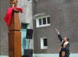 Skulptūrą pašventino Šilutės Šv. Kryžiaus parapijos kunigas Stasys Toleikis