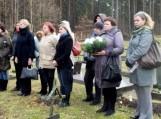 Aplankyti vienišųjų kapai