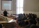 Apie kalbą ir visuomenę: gimnazistų pokalbis su Filologijos fakulteto dekanu Antanu Smetona