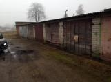 Pagėgių pasieniečiai šilutiškės namuose ir garaže aptiko daugiau kaip 3 tūkst. pakelių kontrabandinių rūkalų.