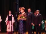 """Minint Kovo 11-ąją Reginai Puodžiuvienei įteikta """"Sidabrinės nendrės"""" premija"""