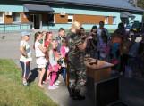 Vileikių užkardų pasieniečiai mokiniams pasakojo apie sienos su Rusija apsaugą