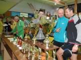 Šiandien Šilutėje startavo tarptautinis asmeninis stalo teniso turnyras. Šilutės rajono garbę gina vis labiau tobulėjantisjaunimas ir nemažas būrys veteranų. Nuotraukos Edvardo Lukošiaus