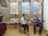 """Šilko lengvumo nuotaiką sukurti ir pajusti padėjo Šilutės kantri muzikos grupės """"Karčemėlė"""" jaunųjų muzikantų Rūtos Šerpytytės ir Dovydo Mažono atliekamos melodijos"""