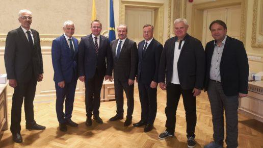 Klaipėdos regiono specializacija vieningai patvirtino visų regiono savivaldybių vadovai. Nuotrauka Klaipedaregion.lt