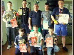 Iš varžybų jaunieji boksininkai – tik su medaliais