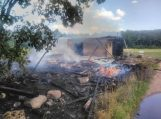Pempiškės kaime sudegė ūkinis pastatas