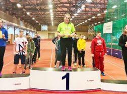Gintarė Paulauskaitė tapo varžybų nugalėtoja ir pagerino mokyklos rekordą