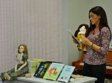 Su autore Igne Zarambaite kalbėta apie tai, kaip gimsta knygos ir lėlės…
