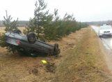 Girtas vairuotojas vos nepražudė kūdikio su žmona