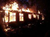 Girininkuose sudegė šimtmečio senumo namas