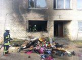 Kavoliuose degė daugiabutis, iš gaisro išgelbėti keturi vaikai