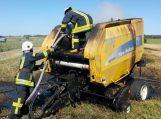 Pašyšių kaime sudegė 35 tūkst. eurų vertės šieno presas
