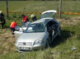 """Susidūrus sunkvežimiui ir """"Toyotai"""" žuvo moteris, sužaloti dar 3 žmonės"""