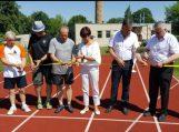 """Oficialiai atidarytas Švėkšnos """"Saulės"""" gimnazijos stadionas"""