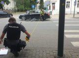 Pėsčiųjų perėją kirto nenulipęs nuo dviračio