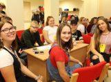 Jaunimo naktyje moksleiviai keliavo laiku