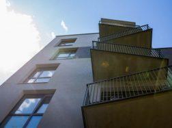 Balkonai: kieno nuosavybė ir ko negalima juose daryti?
