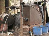 Šilutės rajone aptiktas bravoras, kuriame veikė net du naminės degtinės gaminimo aparatai