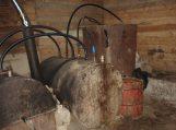 """Šylių kaime ūkinis pastatas buvo paverstas naminės degtinės """"fabrikėliu"""""""