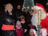 Fotoreportažas: Šilutėje įžiebta Kalėdų eglė
