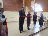 Juknaičių pagrindinė mokykla atidarė naują aktų salę