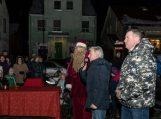 Švėkšnoje įžiebta Kalėdų eglė