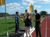 Vilkyčių pradinukai dalyvavo lengvosios atletikos trikovės varžybose