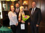 Su 90-uoju jubiliejumi pasveikinta Marijona Sirutavičienė