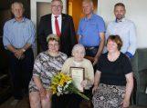 Gėlių puokštė įteikta 90 – metei Eugenijai Žilvytienei