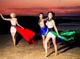 """Grupė """"Man-go"""" pristato naują dainą ir vasarišką fotosesiją Nidos prieglobstyje"""
