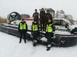 Prevencinė priemonė ant Kuršių marių ledo