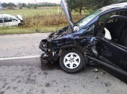 Šilutės aplinkkelyje susidūrė du automobiliai: du vairuotojai sužeisti